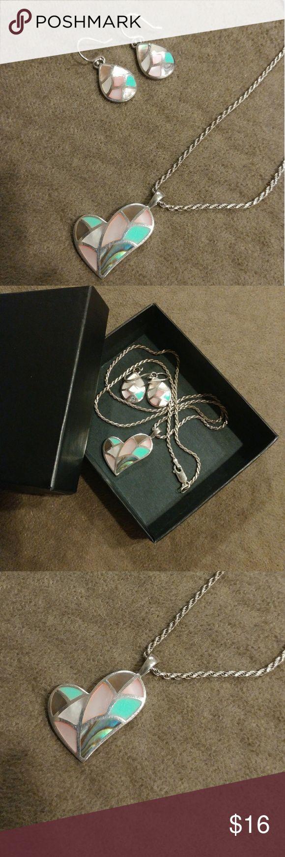 { Apricot Lane } Silver-N-Shells Set ....description soon! Jewelry