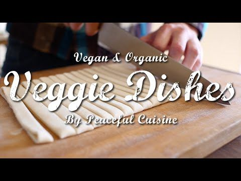 今年の冬の鍋は【ほうとう】で!野菜がたっぷり入った鍋で体を芯からぽかぽかに。 | Veggie Dishes by Peaceful Cuisine