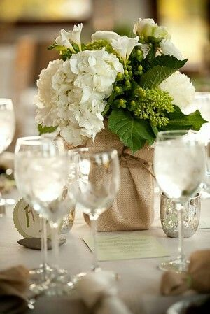 Centre table mariage champetre toile jute