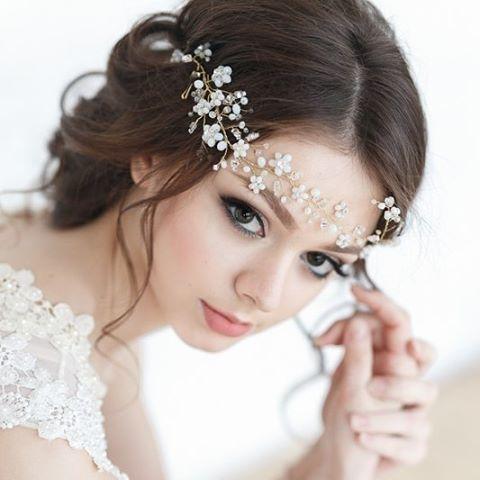 Head over heels for @enzebridal bridal accessories. Hair: @tonyastylist #weddinginspo