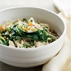 Chinese noedels met kip van Annabel Langbein. gebruik  zoete aardappelmie of andere zonder tarwe
