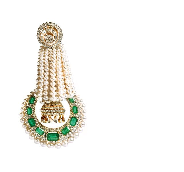 Emeralds, pearls, marquise- and princess-cut diamonds and round brilliant diamonds in 18K gold earrings  Anmol Jewellers | Vogue Wedding Show 2014