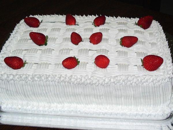GLACÊ FRANCÊS é uma receita bem simples e descomplicada. Basta seguir as instruções que não tem como errar. Experimente nos seus bolos!