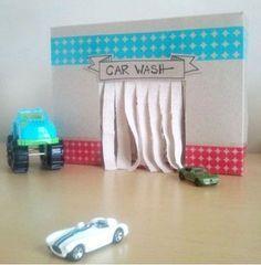 Quando eu era criança, eu amava fazer meus próprios brinquedos. Eu tinha bonecas, jogos e até fantasias, mas gostava mesmo era de imaginar caixas registradoras em pedaços de telha, criar máquinas fotográficas com embalagens vazias e até montar roupas usando folhas de seringueira, que era a árvore qu