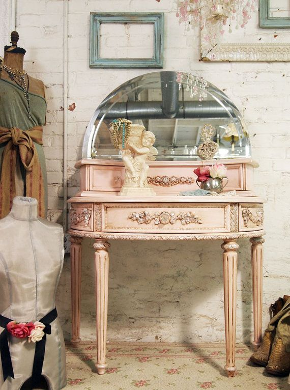 Shabby shabbyVanities Tables, Vintage Vanities, Makeup Vanities, Painting Furniture, Dresses Tables, Interiors Design, Painting Cottages, Shabby Chic Cottages, Pink Rose