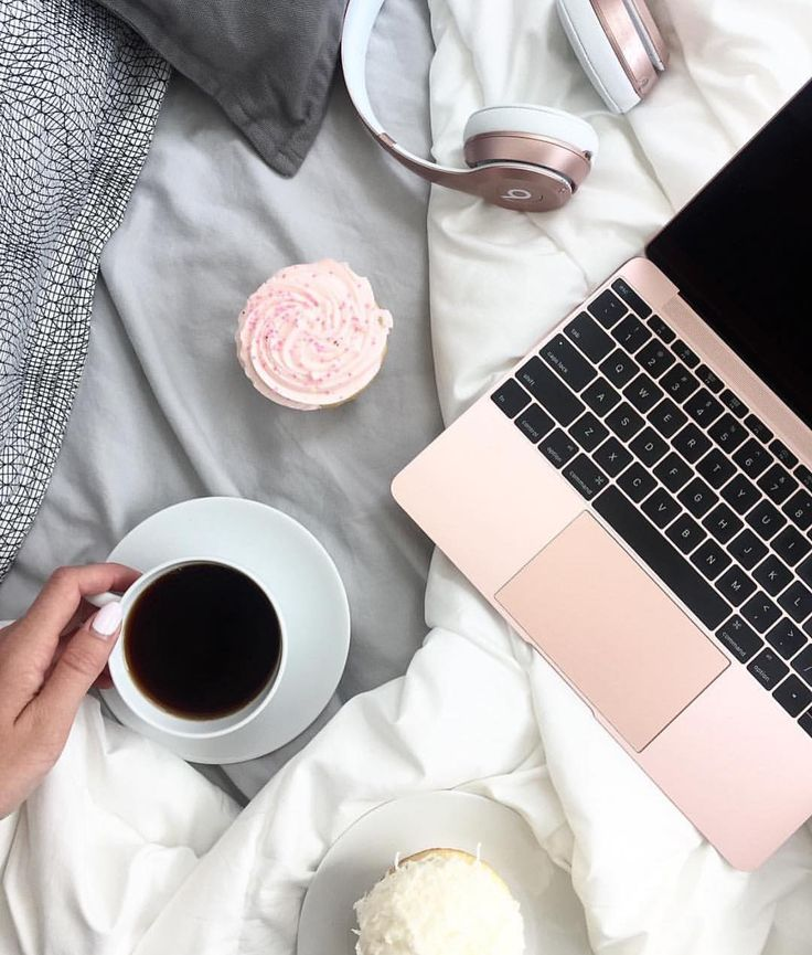 "643 Me gusta, 47 comentarios - SOCIETYGAL - JOIN NOW ⚡️ (@thesocialsociety) en Instagram: ""What is your favorite way to stay motivated when working from home? #societygal"""