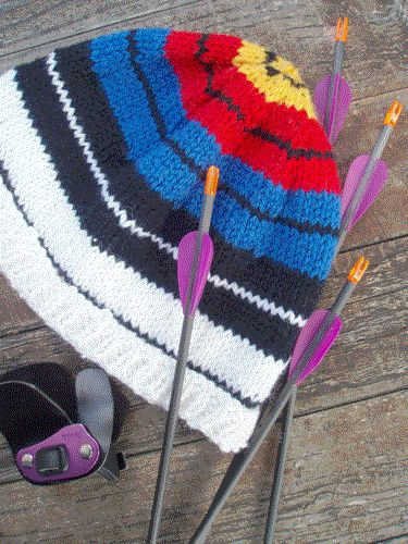Archery target hat knitting pattern!! Ahhhh I am going to make this and wear it to all of my archery practices and tournaments!!