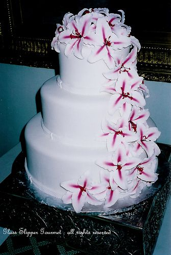 mmmmmmmm caaake 3 tier cakecake with flowerscake weddingwedding anniversarysams clubbirthday