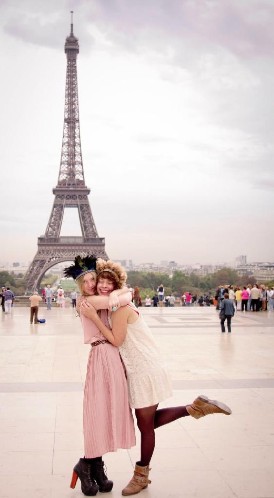 Paris: Friends In Europe, Best Friends Travel Pictures, Buckets Lists, Friends Europe, Eiffel Towers, Bestfriends, Paris France, Cute Pics, Travel Europe Friends