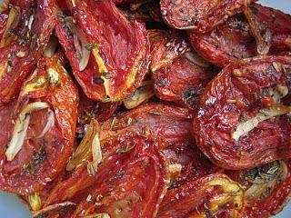 Ingredientes   •3 kg de tomate maduro(s)   •1 xícara(s) (chá) de açúcar  •1 colher(es) (sopa) de sal  •4 xícara(s) (chá) de vinagre branco...