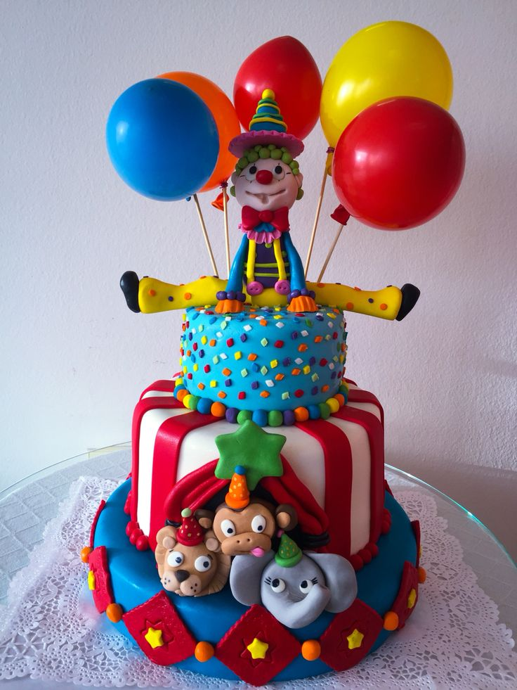 Clown happy cake