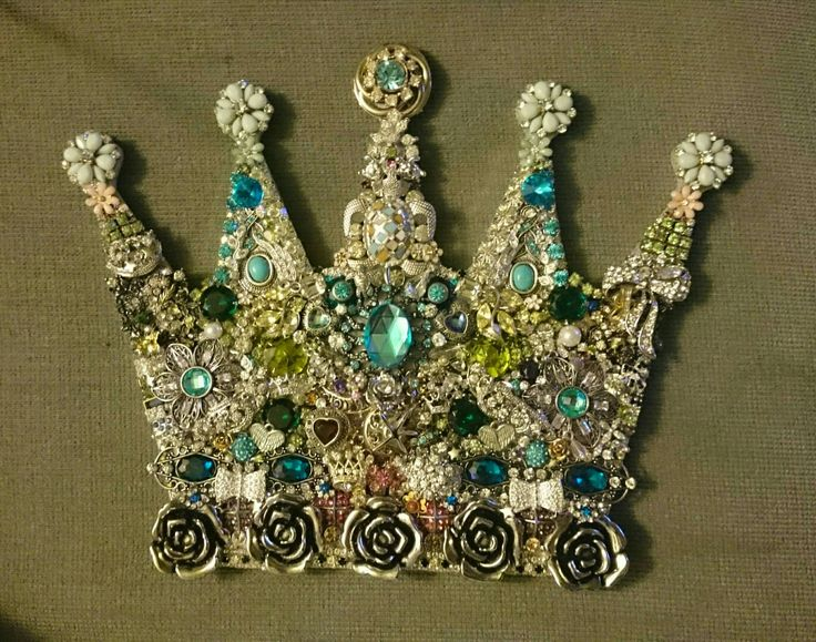 Vintage family jewelry crown