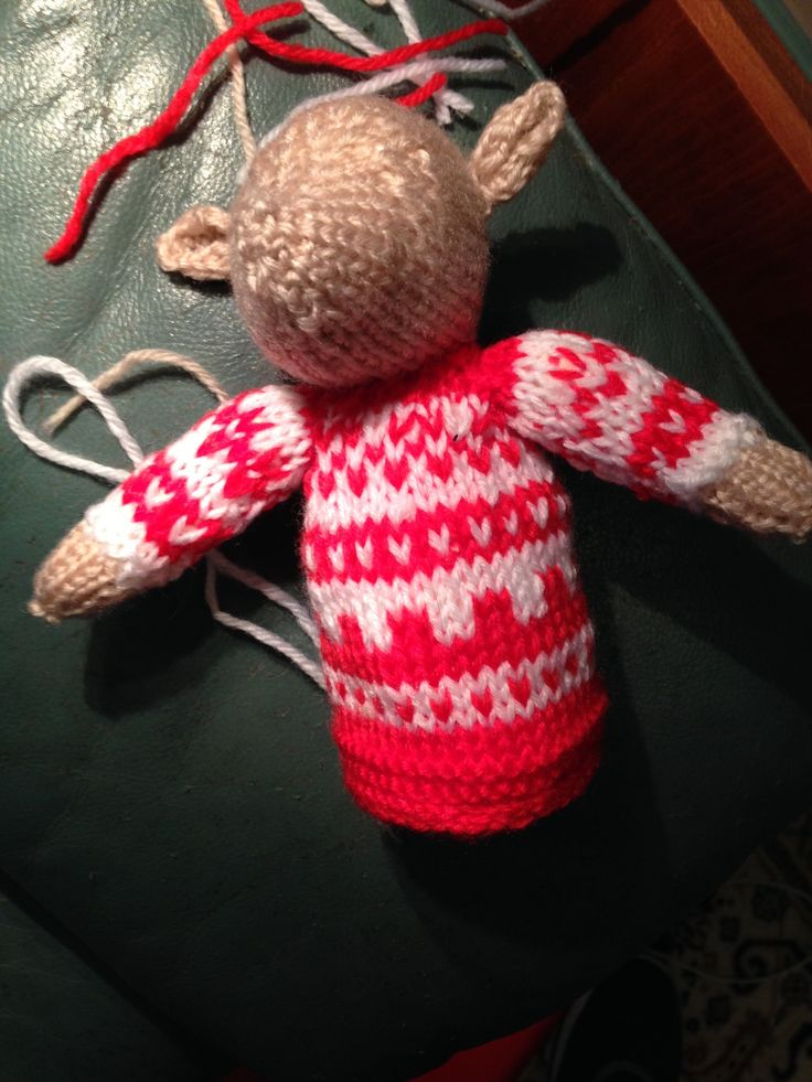 January 4th Reindeer - looking a little legless. Need to hunt for pipe cleaners for antlers too.