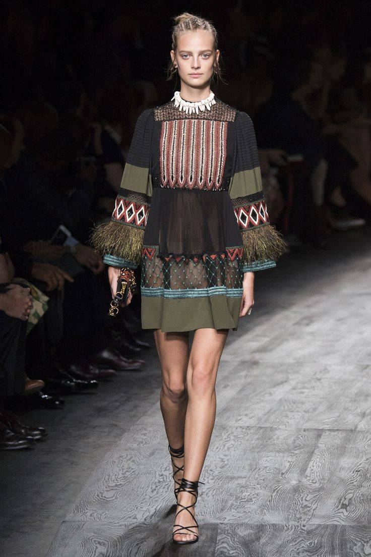Valentino Spring 2016 Ready-to-Wear