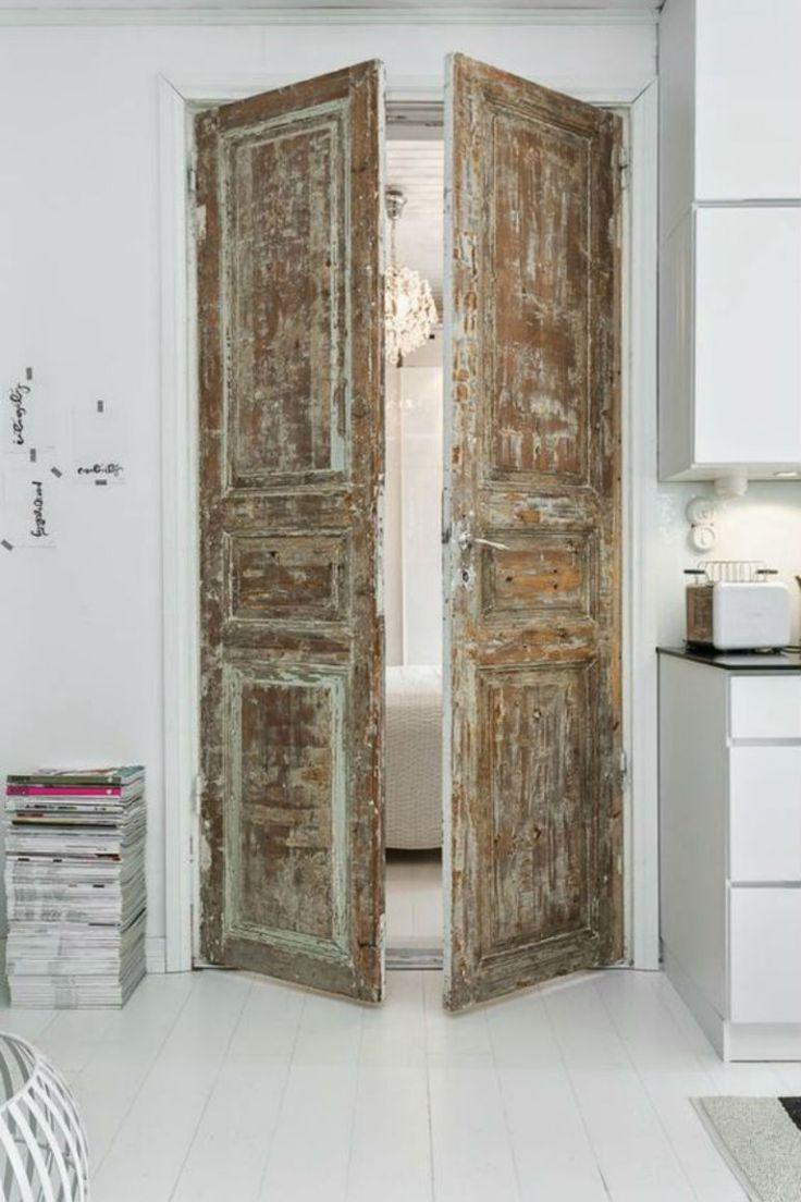 Prachtig deze oude deuren. #doors #repurposed