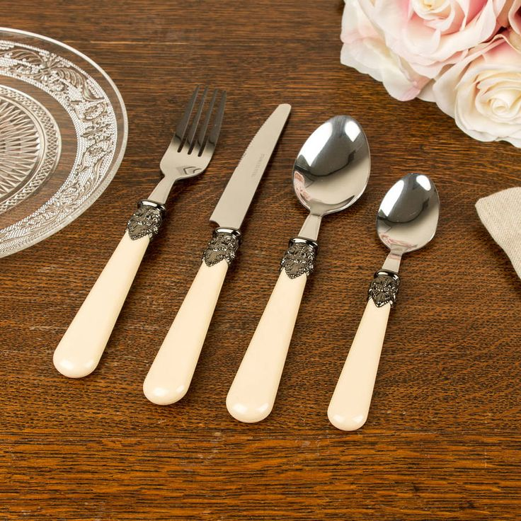 Crafted with a timeless design that will compliment any pre-existing Crockery, A timeless set of cutlery that is complete with 6 person setting.This beautiful French antique cream 24 piece cutlery set would add that extra sparkle to any dinner table. Comprising of six Tea spoons, six Dessert Spoons, six Dinner Fork and six Dinner Knife. Made from 100% stainless steel that is secured perfectly into an antique ivory handle made from acrylic with a crest feather design that makes this cutlery…