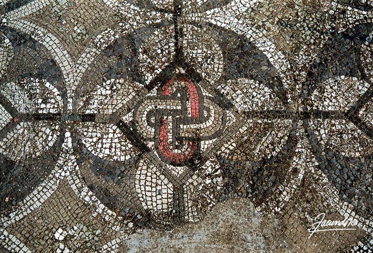 Castrum romano, detaglio pavimento, mosaico. Larderia (Cs)