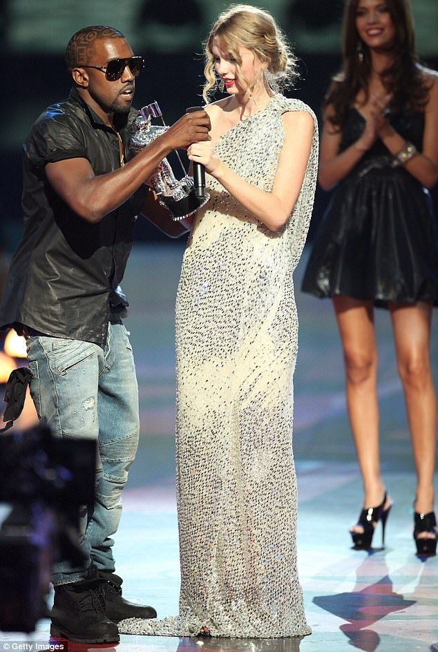 Taylor Swift And Beyonce Were Left In Tears After Kanye S Vma Invasion Taylor Swift Costume Kanye Taylor Kanye West