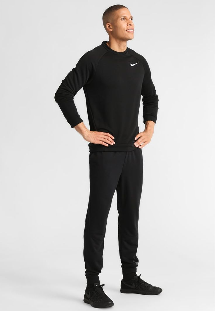 ¡Consigue este tipo de chándal de Nike Performance ahora! Haz clic para ver los detalles. Envíos gratis a toda España. Nike Performance DRY TAPERED LOGO Pantalón de deporte black/cool grey: Nike Performance DRY TAPERED LOGO Pantalón de deporte black/cool grey Deporte   | Material exterior: 100% poliéster | Deporte ¡Haz tu pedido   y disfruta de gastos de enví-o gratuitos! (chándal, tracksuit, sweatpants, track, sweatpant, sweat pant, chandals, chándals, comfort fit, chandal, deport...
