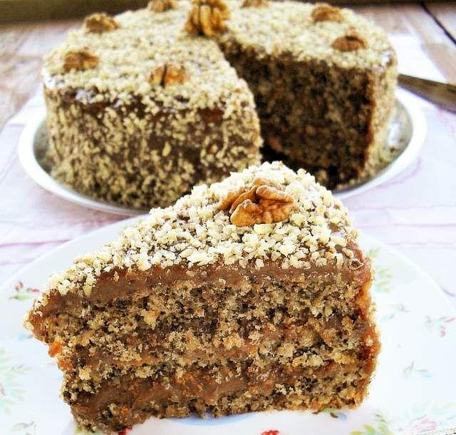 O reteta de tort cu nuca extrem de delicioasa, care se prepara rapid, cu ingrediente care se gasesc in orice bucatarie. Se poate decora cu...