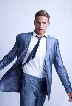 Chad le Clos looks good even in a suit...