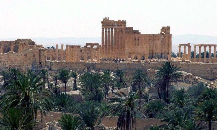 Estado Islâmico ergue bandeira sobre Palmira e invade museu - Jornal O Globo