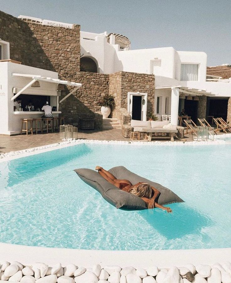 """Mi piace"": 385, commenti: 4 - Your Travel Blog (@yourtravelblog) su Instagram: ""Welcome to Paradise! Rocabella Mykonos Hotel, Greece  ...@elsie_xx"""