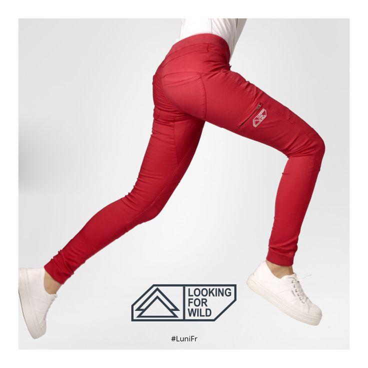 Nouveau créateur sur Luni : Looking for wild 👉 http://luni.fr/createurs/looking-for-wild.html 👈🇫🇷 Pantalons sculptés pour le mouvement🏃  #lookingforwild #pants #pantalon #stretch #escalade #climbing #sportclimbing #escalar #modeFemme #modeHomme #liberte #confort #skate #voyage #travel