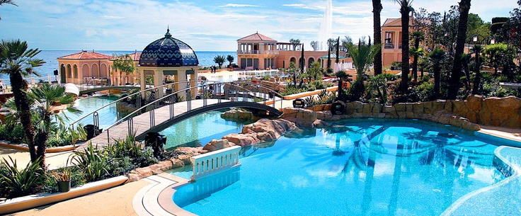 Monte-Carlo Bay Hotel **** Get your feet in the sand and head in the stars in this resort in Monaco.