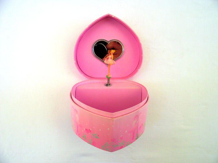 μουσικα κουτια καρουζελ και δωρα για τα χριστουγεννα http://www.amalfiaccessories.gr/gifts/#