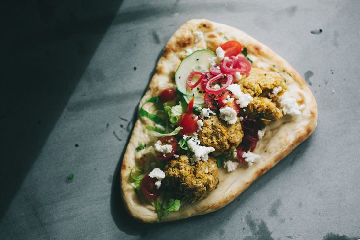 FALAFEL SANDWICHES WITH TAHINI SAUCE
