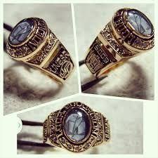 Resultado de imagen para anillos de graduacion para mujer en plata