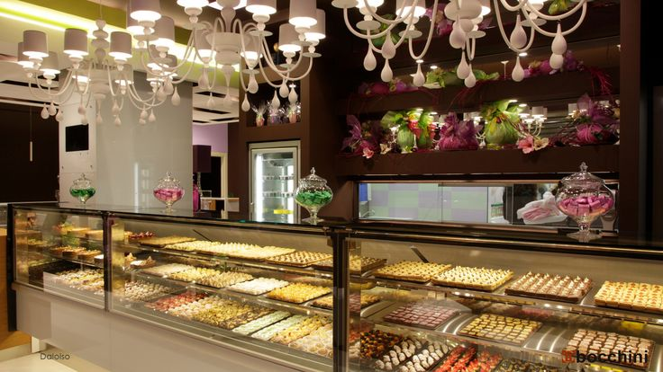 Daloiso is one of the most refined #ambience  for #pastry #shops we've ever made. #confectionery #arredamento #vetrina #pasticceria #ospitalità #stile #eleganza #furniture #style