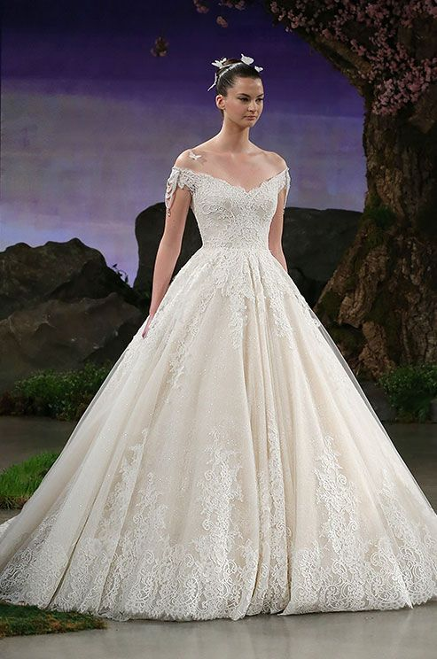 Stunning off-shoulder ball gown wedding dress by Ines Di Santo Spring 2016, Getty Images
