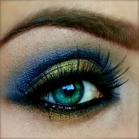 Cobalt Blue & Gold https://www.makeupbee.com/look.php?look_id=85655