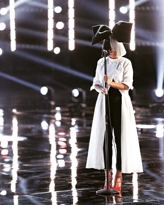 Sia lookin gorgeous
