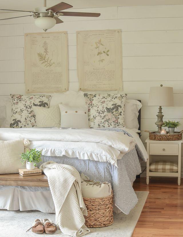 Summer Bedroom Refresh Little Vintage Nest Bedroom Little Nest Refresh Summer Vintag En 2020 Disenos De Dormitorios Dormitorio De Verano Decorar Dormitorios