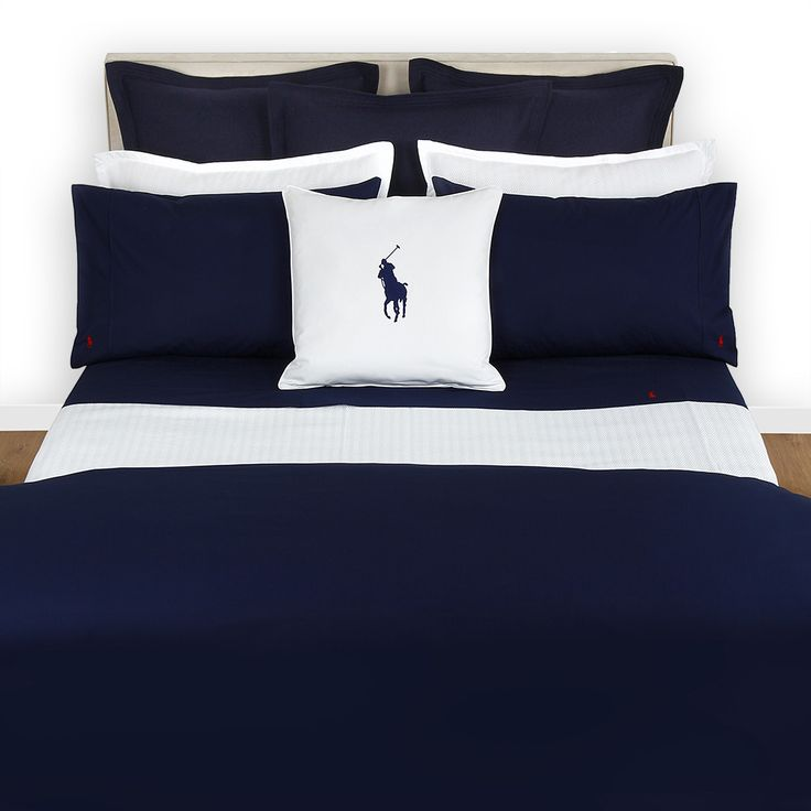 Discover the Ralph Lauren Home Polo Player Navy with Red Duvet Cover - Double at Amara