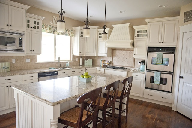 Favorite Paint Colors: white, beige, spring green, aqua with wood floors