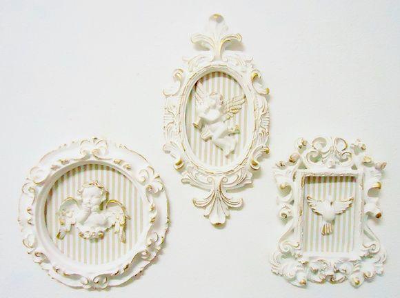 TRIO DE QUADRINHOS PROVENÇAL (SHABBY CHIC) FUNDO LISTRADO BEGE / NUDE *** VENDIDOS SEPARADOS*** 1) quadrinho oval com 2 pontas (22cm X 11cm) = R$ 29,00 2) quadrinho retangular (15cm X 12cm) = R$ 23,00 3) quadrinho redondo (15cm X 15cm) = R$ 29,00 *** PODEM SER FEITOS EM OUTRAS CORES DE MOLDURA *** *** PODEM SER FEITOS COM OUTRA COR DE FUNDO*** R$ 81,00