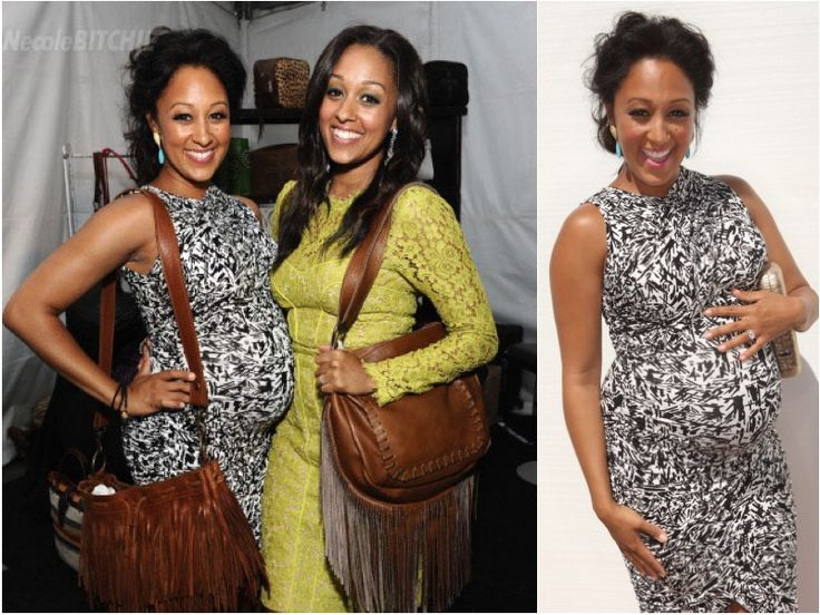 Tamera Mowry Shows Off Her Baby Bump At The Teen Choice Awards