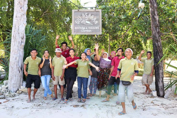Selamat Tahun Baru from all of us at Gili Asahan Eco Lodge and Restaurant! Thank you all for the smiles, adventures and good vibes you brought us this 2017! May 2018 be prosperous and positive for all of us and bring us plenty more of the above! 🎊🎆💙  #happynewyear #2018 #tahunbaru #newyear #gili #giliasahan #celebration #giliasahanecolodge#giligetaway #giliguide#giliisland #gililife#secreteislands #secretgilis #beautifulindonesia #exploreindonesia #indonesia