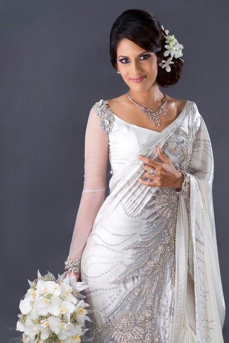 Buddhi batik s bridal sri lankan designer darshi for Wedding dress designer m