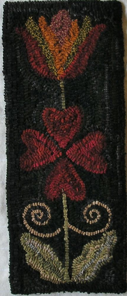 HAND  MADE PRIMITIVE HOOKED RUG ~HEARTS AND FLOWERS II ~  FOLK ART ~  #Primitive #SUSANKILDUFF