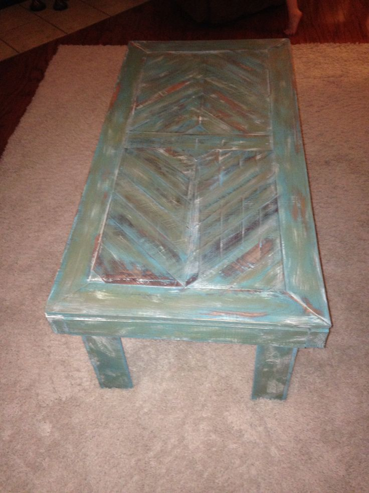 Distressed pallet wood table