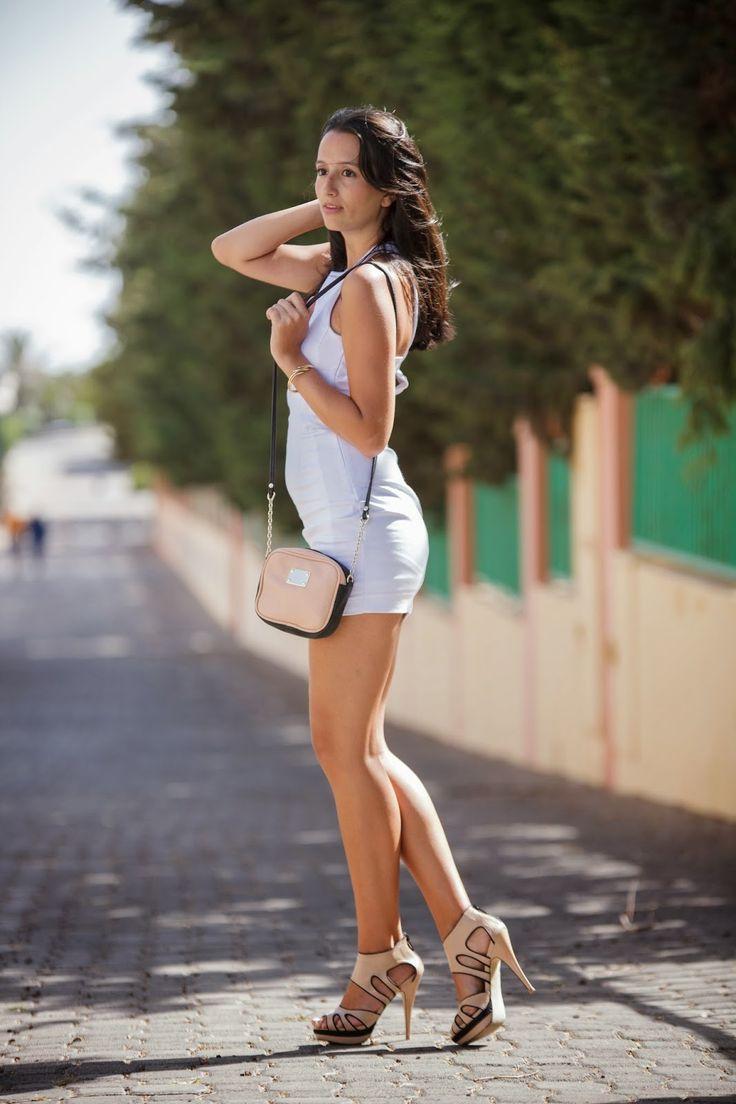 White and denim 2-9-2014 Vestido #Stradivarius Chaqueta #Zara, tacones #Blanco