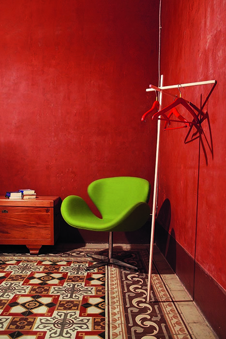 Italian House, Stefano Trapani, contrast