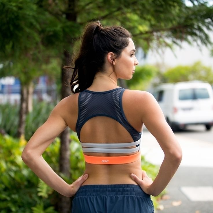 I need this Lorna Jane sports bra! I love the orange detail in the back. #fitnessfashion #athleisure #fitness #workoutclothes #sportsbras
