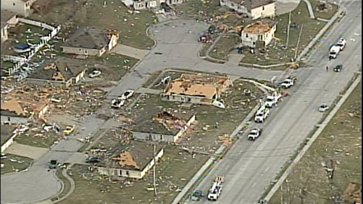 Aerial photos of tornado damage in oak grove, missouri, highlight ...
