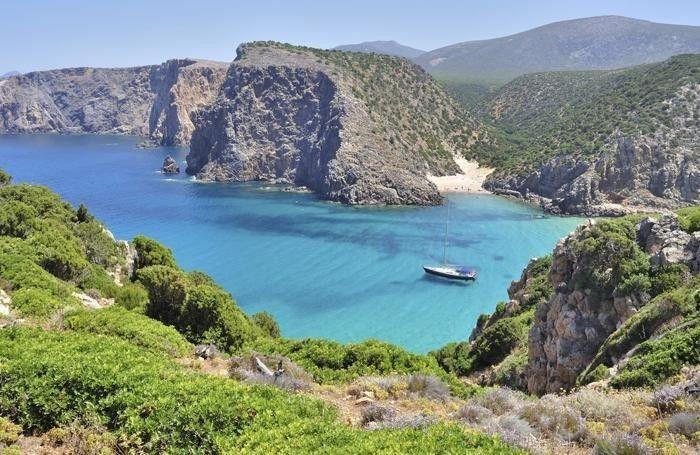 Se credete che andare in Sardegna sia meglio, vi sbagliate, è assolutamente la peggiore - Cala Domestica